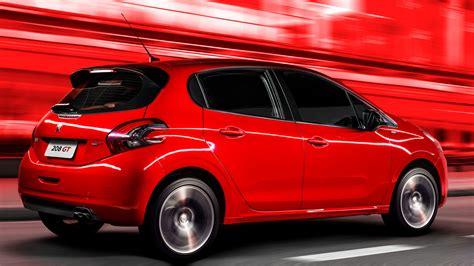 peugeot 208 red wallpaper peugeot 208 gt hatchback red cars bikes 10232
