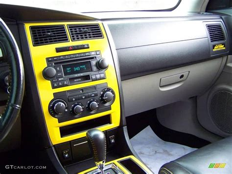 daytona interior 2006 top banana yellow dodge charger r t daytona 24999012