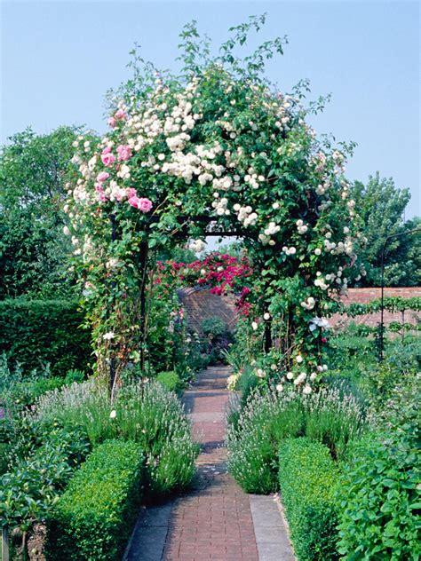 Garden Arch Materials Choosing Materials For Arches And Pergolas Hgtv