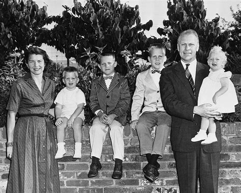 Ford Family by File The Ford Family Jpg Wikimedia Commons
