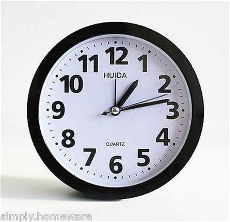 marathon analog desk alarm clock round analog alarm clock analogue wall clocks bright light
