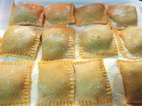 tortelli di zucca e amaretti alla mantovana tortelli di zucca mantovani cucina serena