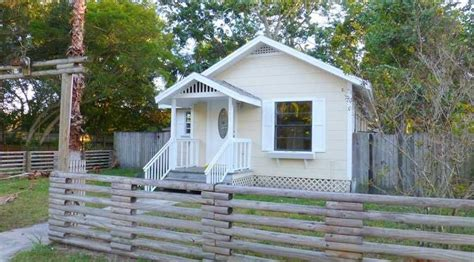 houses for sale st petersburg fl tiny house movement grows bigger