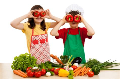 alimentazione vegetariana bambini i bambini italiani mangiano poca verdura mamme e bambini
