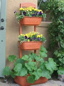 Garden Patio Planters by Organic Gardening Magazine Features The Monkeypots