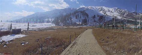 gulmarg gondola in january 2015 youtube team bhp kashmir in january srinagar sans snow after