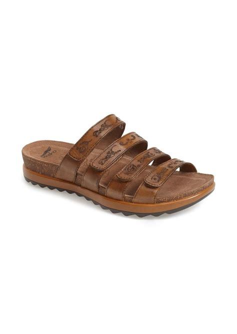 dansko jenelle sandal dansko mens sandals 28 images dansko s slip on shoes