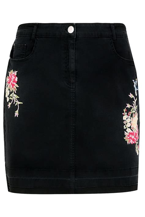44990 Black Space Embriodery Top black denim skirt with floral embroidery hem plus