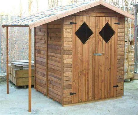 come costruire una casetta da giardino montaggio casetta da esterno
