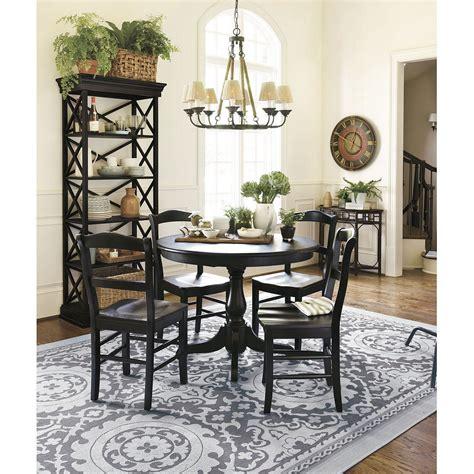 big rug   dining table  piece dining set