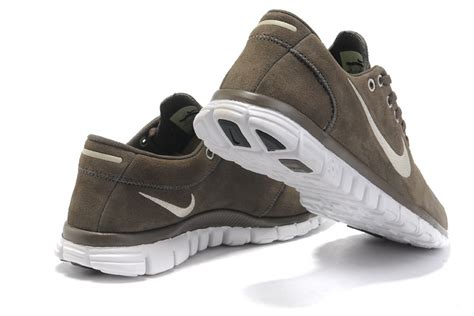 trend nike free 3 0 v2 mens leather running shoes in brown