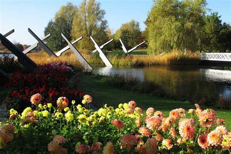 Dahlienfeuer Im Britzer Garten by Dahlienfeuer 2014 Im Britzer Garten Gartentechnik De