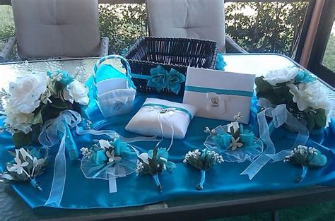 Vee Decor by 25 Best Turquoise Centerpieces Ideas On