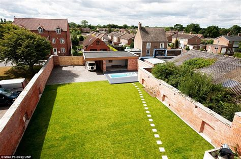 Narrow House Plans With Garage Grand Designs South Yorkshire 1920s Cinema Transformed