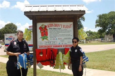 boating laws life jacket accessibility stressed for lake - Texas Boating Laws Life Jackets