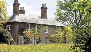 bucklebury manor is this the middletons new house