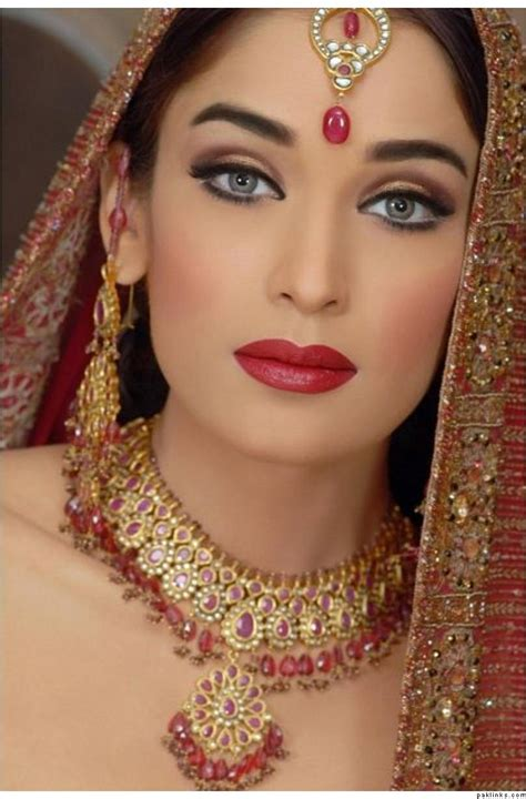 Eyeshadow Glamor dulhan makeup by kashee s parlour complete