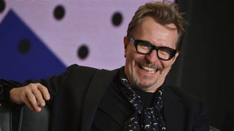 darkest hour ottawa gary oldman to get career honour at hollywood film awards