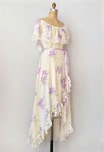 vintage 1970s lace trimmed bohemian dress breathing in
