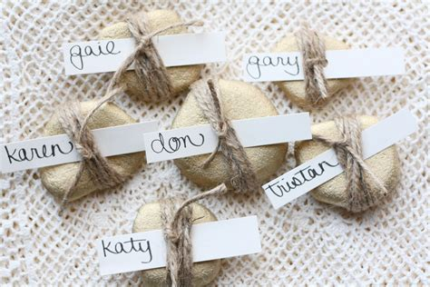 diy place cards diy rock place cards ricedesigns