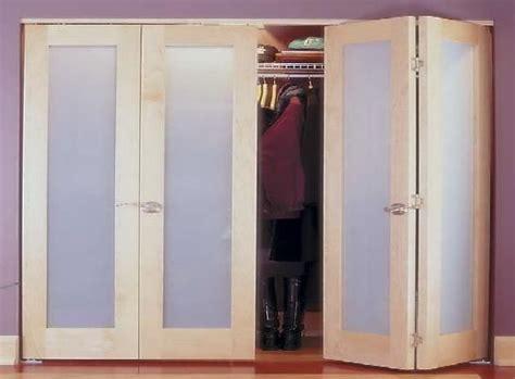 Folding Wardrobe Doors Uk by The 25 Best Folding Closet Doors Ideas On