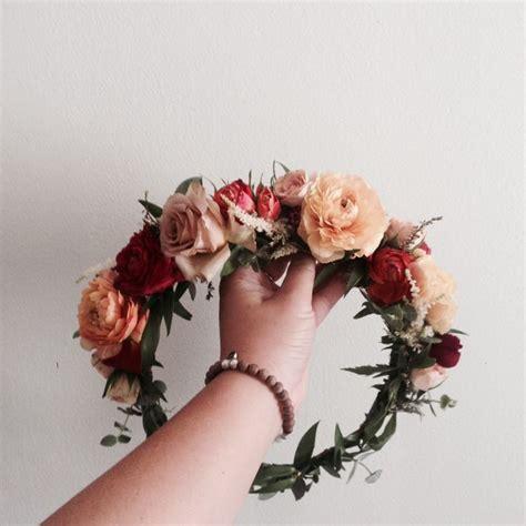 a gold sprayed flower crown wedding hairstyles photos the 25 best rose crown ideas on pinterest flower editor