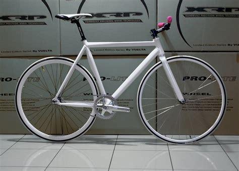 Rantai Warna Buat Seepeda Fixiebmx musim sepeda gaya hidup dan tren