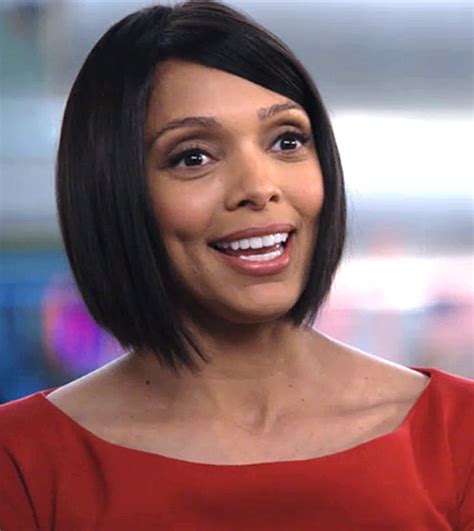 tamara taylor hairstyles changes from long to short doctor camille saroyan from bones played by tamara taylor
