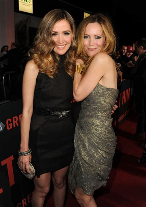 leslie mann rose byrne leslie mann in premiere of universal pictures quot get him to
