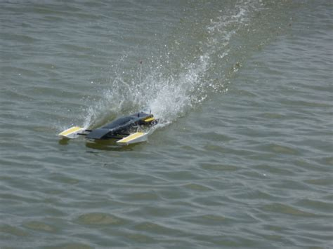 rc boats in big waves boat hull radio control info