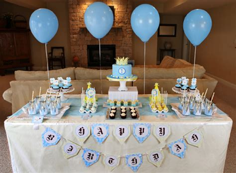 a pleasing birthday table decoration table