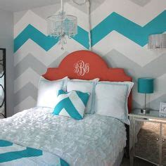 i love the purple striped wall bedrooms pinterest bedroom decor on pinterest chevron chevron walls and