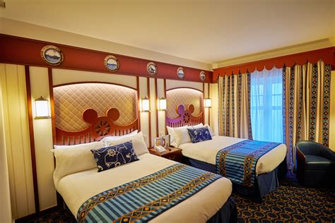 Newport Hotels With In Room by Rooms Newport Bay Club Disneyland Hotels
