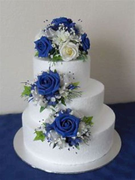 19 Stunning Royal Blue Wedding Cake Designs   torty