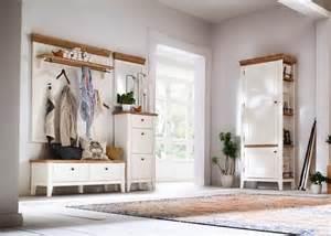 garderobe weiß holz garderobe malin garderobenset 3 landhausstil holz akazie