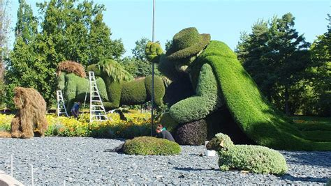 montreal botanical garden topiary mosaiculture 2013 at montreal botanical gardens
