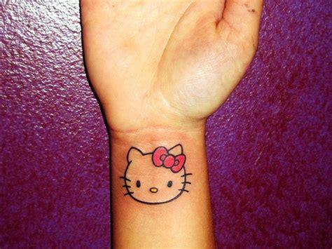 www tattoos com 26 awesome wrist tattoos