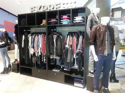 Pop Up Closet by Pop Up Fashion Closet Travels Ontario Sign Media