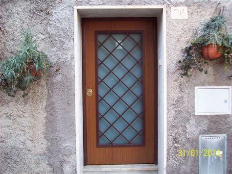 porta blindata esterna oltre 25 fantastiche idee su porte blindate con vetro su