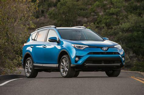 Toyota 2017 Rav4 by 2017 Toyota Rav4 Reviews And Rating Motor Trend