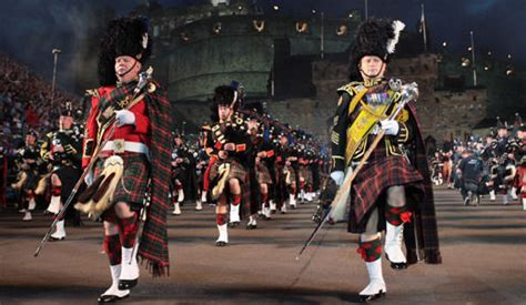 edinburgh tattoo pipes and drums edinburgh military tattoo pictures pics express co uk