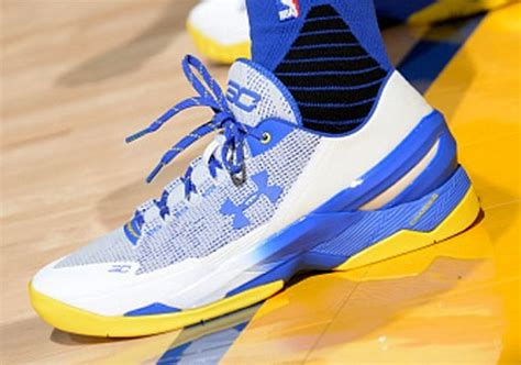 Ua Curry2 Low steph curry briefly out the ua curry two low against the spurs sneakernews