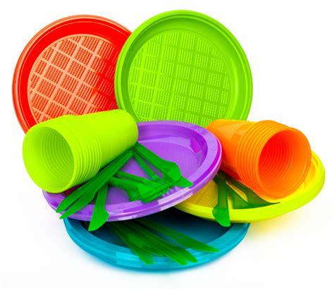 piatti e bicchieri di plastica piatti di plastica bicchieri vietati in francia dal 2020