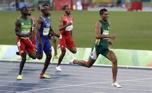 South africa s wayde van niekerk runs to victory in the 400 meter