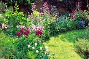 how to plant bulbs for spring colour in your garden