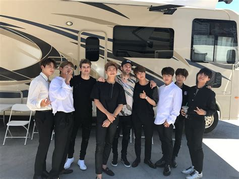Bts Chainsmokers | the chainsmokers just met bts and hint at possible