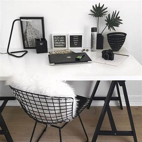 black and white desk chair 16 ideas para decorar una habitaci 243 n blanca