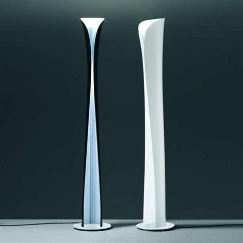 illuminazione piantane piantane artemide di design foto 6 40 design mag