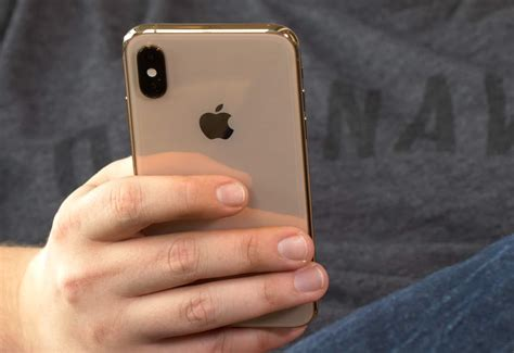 iphone xs reviewiphone sx max review    boring