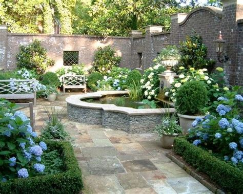 Italian Garden Design Ideas 25 Best Ideas About Courtyard Gardens On Mens Hats Uk Courtyards And Define